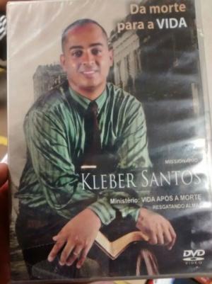 Capa do material promocional encontrado na casa do acusado. - Crédito: Foto: Divulgação/PM