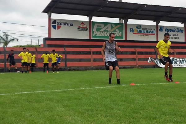 Jogadores que estão disponíveis já treinam visando estreia. - Crédito: Foto: Oseias Pereira