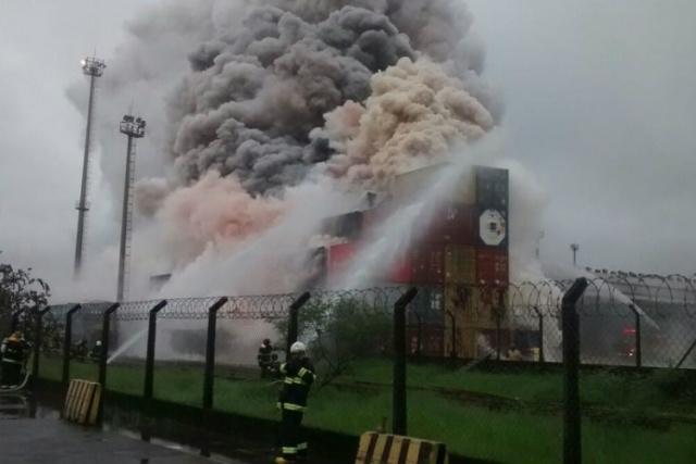 Incêndio terminou 37 horas após vazamento de gás em empresa. - Crédito: Foto: Reprodução