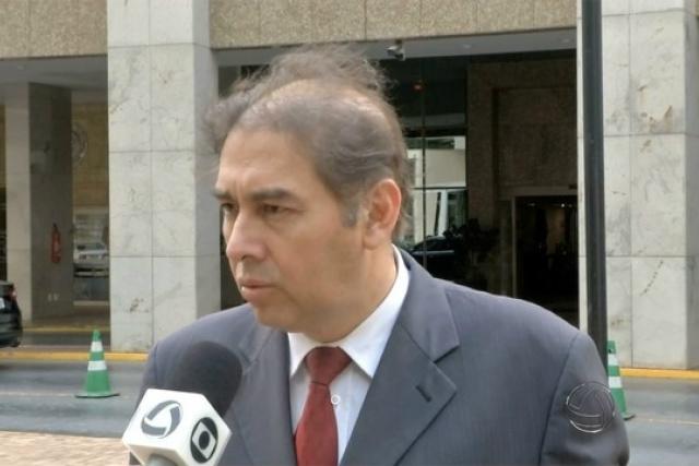 Bernal está sendo acusado de irregularidades na contratação de servidores. - Crédito: Foto: Divulgação