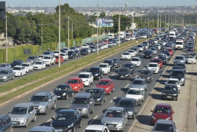 Entre as novidades do Código, está a fiscalização eletrônica de velocidade. - Crédito: Foto: José Cruz/Agência Brasil