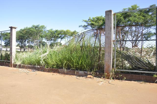 Rego 'Água: Vandalismo destrói praça -