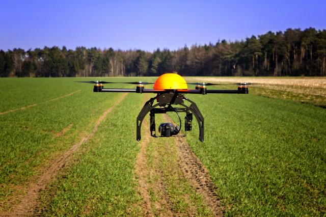 Relativamente baratas e fáceis de usar, essas aeronaves, equipadas com sensores e recursos de imagem cada vez mais eficientes e precisos, já estão à disposição dos produtores rurais. - Crédito: Foto: Divulgação