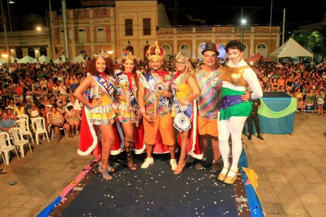 Festa da eleição da Corte do Momo aconteceu na Ferradura do Porto Geral, em Corumbá. - Crédito: Foto: Divulgação