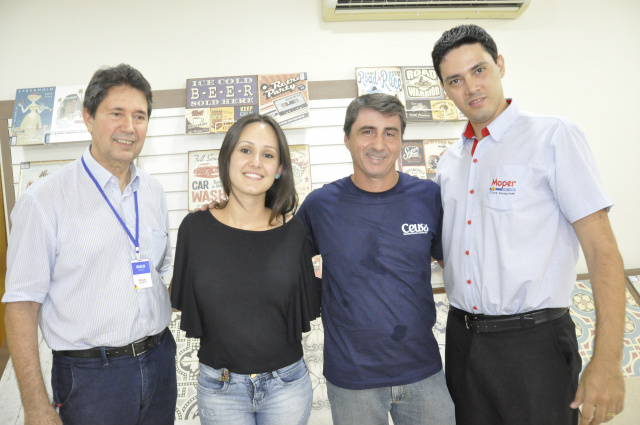 Proprietário da Moper Moacir Pereira, Denízia Satiro, Vandro - Crédito: Foto: Hedio Fazan