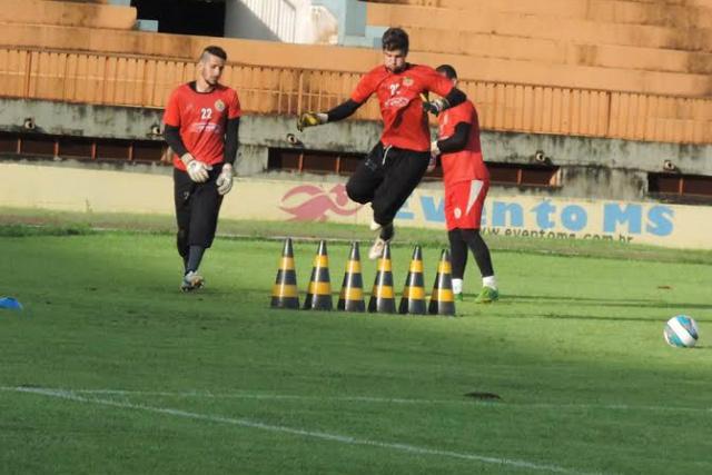 Intuito é deixar todos em condições de atuar como titular da equipe, segundo o preparador de goleiros. - Crédito: Foto: Divulgação