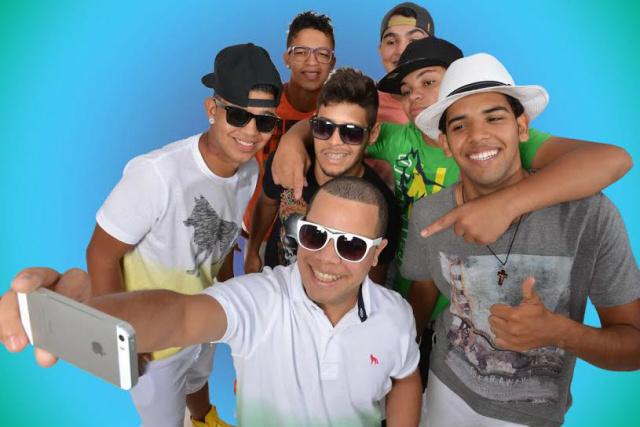Grupo Samba White será uma das atrações do baile do Hawaii no Clube Indaiá. - Crédito: Foto: Divulgação