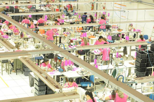 Indústria têxtil e do vestuário reduziu 172 vagas ano passado. - Crédito: Foto: Assessoria