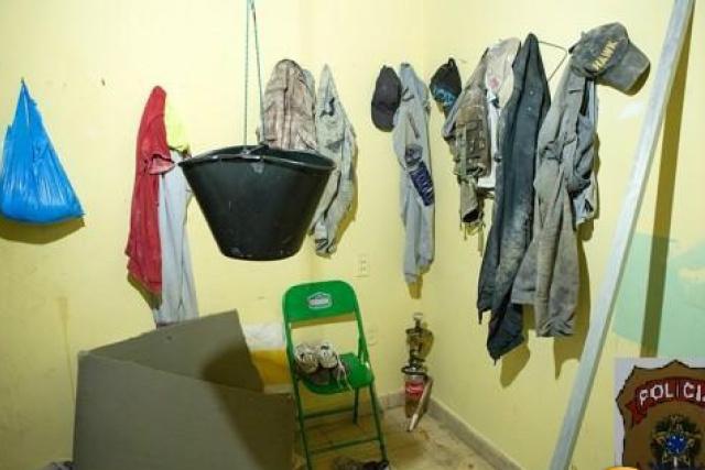 Imagem fornecida pela PF mostra parte das instalações onde moravam seis imigrantes sírios. - Crédito: Foto: Divulgação/PF