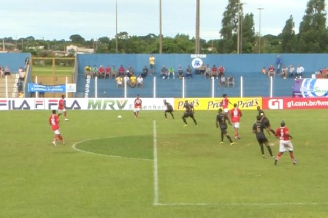 Lance da partida que teve transmissão para todo o Mato Grosso do Sul em jogo 'solitário'. - Crédito: Foto: Reprodução/TV Morena
