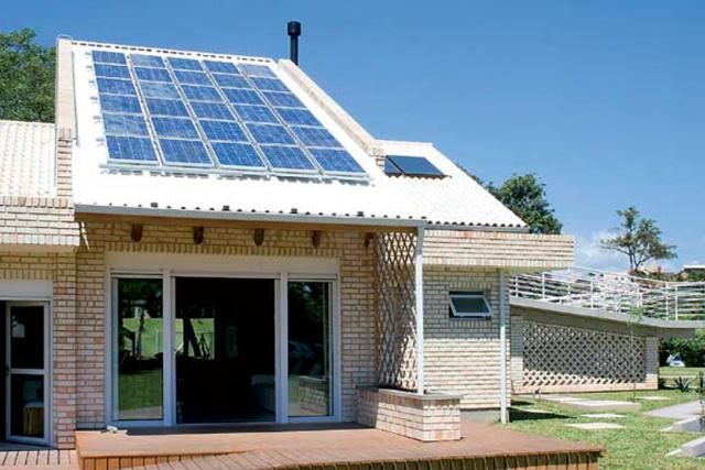 Sol é uma fonte inesgotável de energia limpa e sustentável. - Crédito: Foto: Divulgação