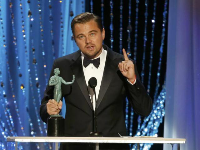 """Leonardo DiCaprio discursa após ser premiado como melhor ator por atuação no filme """"O Regresso"""" - Crédito: Foto: Divulgação"""