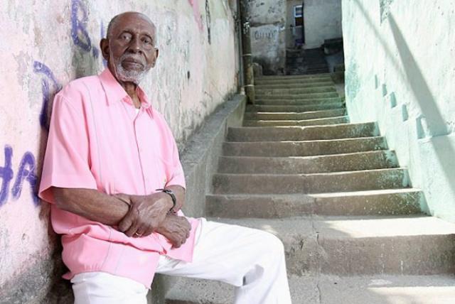 Na Mangueira, parte da história pode ser contada com os sambas de Nélson Sargento, baluarte que tem satisfação com o título. - Crédito: Foto: Divulgação