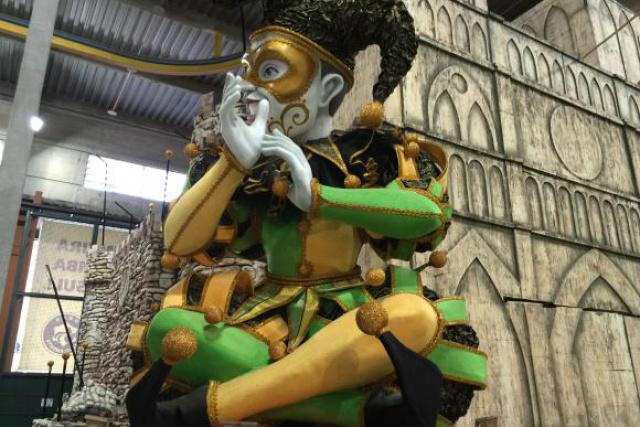 Bobo da corte gigante será levado à Marquês de Sapucaí para ajudar a contar o enredo da escola de samba São Clemente. - Crédito: Foto: Cristina Indio do Brasil/Agência Brasil