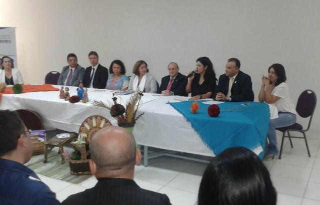 Autoridades na solenidade comemorativa do primeiro ano de funcionamento da Casa da Mulher Brasileira. - Crédito: Foto: Divulgação
