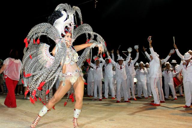 Desfile das escolas de samba em Campo Grande, acontece segunda e terça-feira. A infraestrutura será montada na Avenida Alfredo Scaff, via lateral à Praça do Papa. - Crédito: Foto: Divulgação