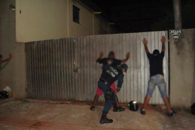 Trabalho da Polícia Militar em Dourados iniciou na sexta-feira passada e empregou em média, 50 policiais e 25 viaturas em cada ação. - Crédito: Foto: Cido Costa/Dourados Agora