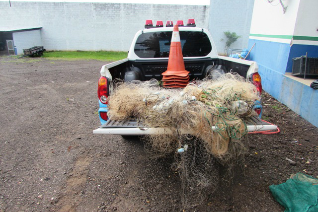 PMA retirou dos rios 2,2 km de redes e 435 anzóis de galho. - Crédito: Foto: Divulgação