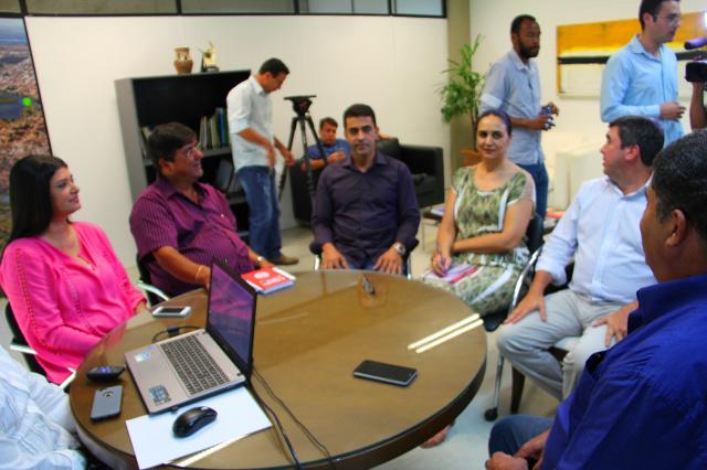 Reunião realizada na governadoria na última quinta-feira. - Crédito: Foto: Divulgação