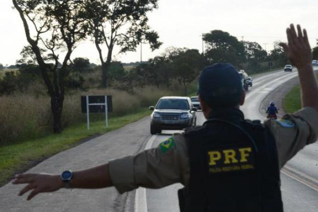 PRF intensifica ações de fiscalização em períodos festivos. - Crédito: Foto: Marcello Casal Jr/Arquivo Agência Brasil