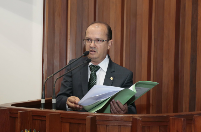 Parlamentar explica que a Lei atende ao que está na Constituição. - Crédito: Foto: Divulgação