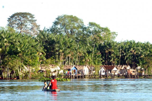 Ribeirinhos estão entre os beneficiários do programa de conservação ambiental. - Crédito: Foto: Paulo de Araújo/MMA