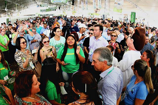 Governador esteve presente nas ações realizadas da Caravana da Saúde neste final de semana. - Crédito: Foto: Divulgação