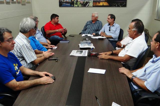 Diretores da Aced reunidos com diretor da Agetran e representante da empresa EXP Parking, com sede em Brasilia. - Crédito: Foto: Divulgação