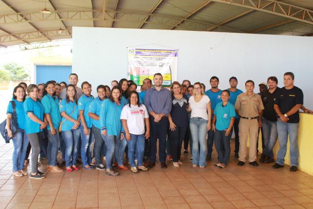 Prefeito Neto reúne agentes comunitários de saúde e endemias, e discute ações de combate à dengue, chikungunya e zika vírus. - Crédito: Foto: Assessoria