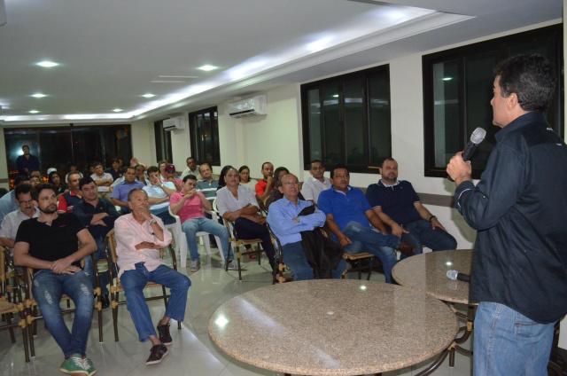 Marçal Filho comanda reunião do Diretório Municipal do PSDB em Dourados para discutir a sucessão municipal. - Crédito: Foto: Sidney Lemos