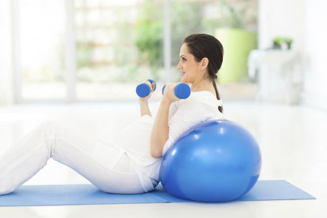 Conheça os melhores exercícios para praticar na gravidez -