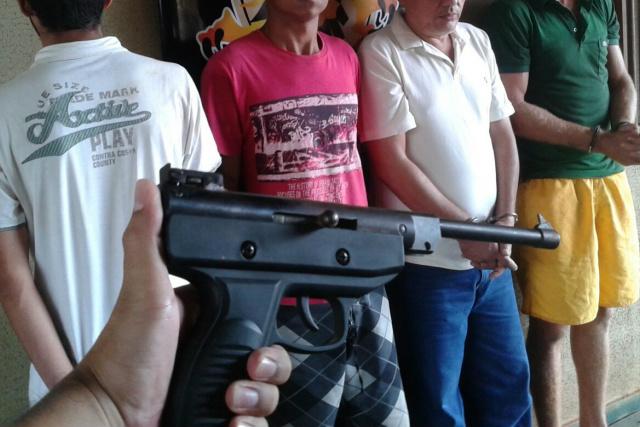 Polícia agiu no momento em que motorista era levado para mata. - Crédito: Foto: Divulgação/Defron