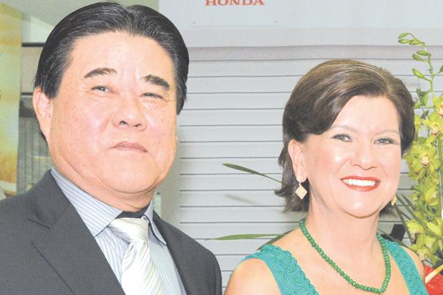 Destaque ao casal de empresários Mário Endo e Janine, sócios-proprietários do Grupo Endo -
