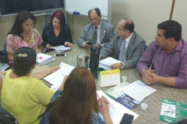 Vereador Madson levou moradores à audiência na Educação. - Crédito: Foto: Divulgação