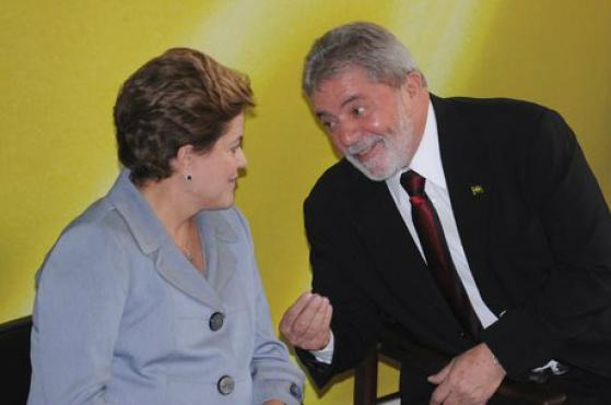 Dilma e Lula retomam conversa sobre superministério  Foto: Wilson Dias/ABr -