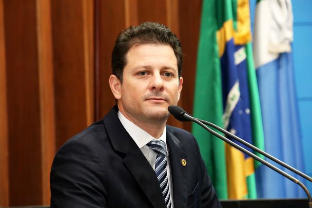 Renato Câmara está sendo preparado para disputar a sucessão do prefeito Murilo pelo PMDB. - Crédito: Foto: Divulgação