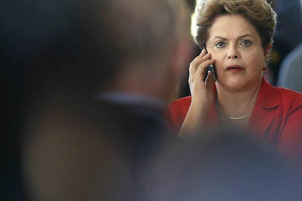 Grampo da Polícia Federal pegou diálogo tenso da presidente com seu antecessor. Foto: Revista Veja -