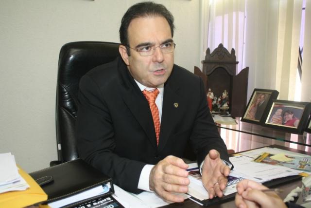 Deputado Felipe Orro deixou o PDT e assinou ficha de filiação no partido tucano. - Crédito: Foto: Divulgação