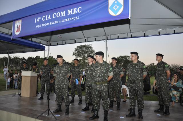 A cerimônia de comemoração dos 81 anos da 14ª Cia Com, na Brigada Guaicurus, contou com diversas autoridades civis e militares de Dourados e Capital. - Crédito: Foto: Hedio Fazan