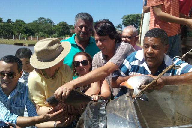 Lago do Parque Ambiental recebe 1,7 tonelada de peixes. - Crédito: Foto: Divulgação