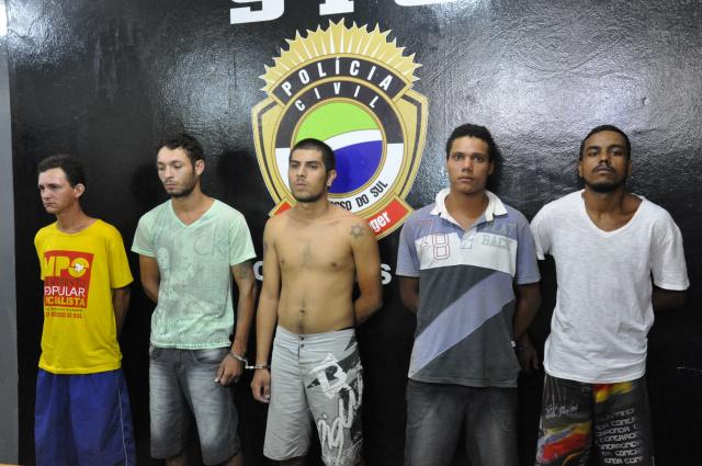 Quadrilha foi apresentada pelo SIG na tarde de ontem; a polícia segue com a investigação dos crimes. - Crédito: Foto: Hedio Fazan