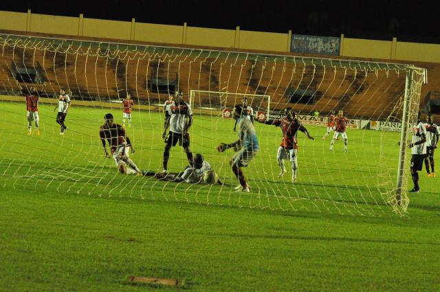 Momento em que Jaime saia para comemorar o primeiro gol do jogo na partida disputada no sábado. - Crédito: Foto: Luiz Radai
