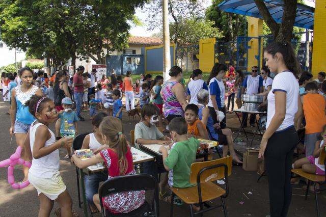 Escola Arthur recebe ações sociais de cursos da Unigran. - Crédito: Foto: Divulgação
