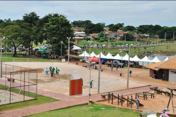 Parque Rego D`Água já foi limpo e está preparado para receber a população -