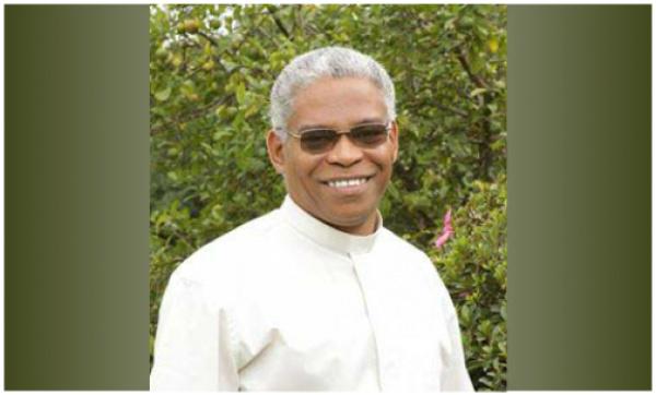 Dom Henrique bispo da Diocese de Dourados -