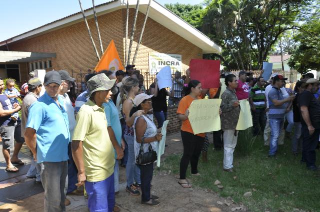 Integrantes do MSTB prometem acampar no Incra em Dourados até sair resposta sobre demarcação. - Crédito: Foto: Hedio Fazan