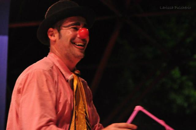 """Espetáculo """"100 Virtuose"""" com o palhaço Challito vai ser encenado domingo no Parque Antenor Martins. - Crédito: Foto: Divulgação"""