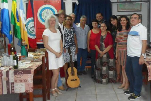 Acadêmicos douradenses mostraram trabalhos literários, poesias, contos e músicas. - Crédito: Foto: Divulgação