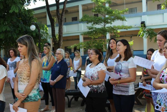 Escola Franciscana Imaculada Conceição  faz Via Sacra. - Crédito: Foto: Divulgação