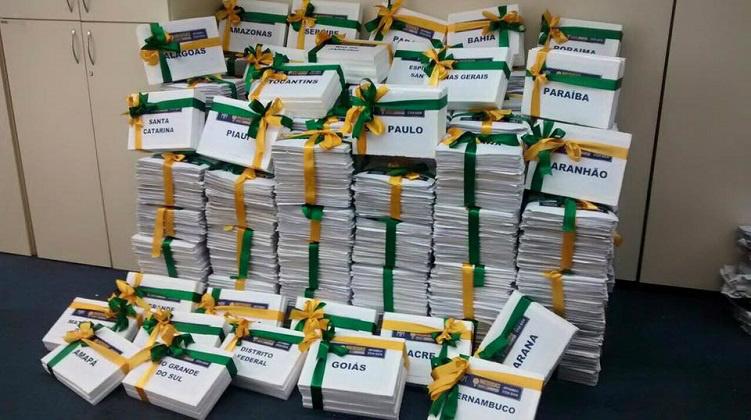 Sociedade leva 2 milhões de assinaturas ao congresso. O projeto terá o mesmo rito que teve a lei de iniciativa popular da Ficha Limpa. Foto: Divulgação -